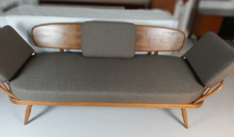 Ercol daybed £1600