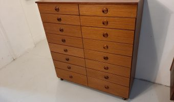 Schreiber bank of drawers